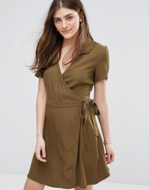 Jack Wills Платье с запахом в стиле милитари. Цвет: зеленый