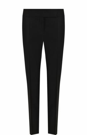 Укороченные однотонные брюки со стрелками BOSS. Цвет: черный