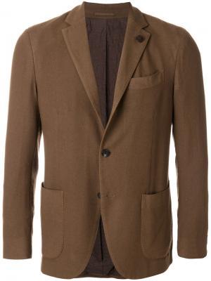 Пиджак с накладными карманами Lardini. Цвет: коричневый