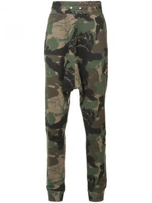 Камуфляжные спортивные брюки Haculla. Цвет: зелёный