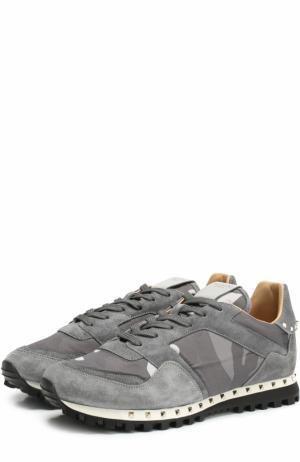 Комбинированные кроссовки  Garavani Rockrunner с принтом Valentino. Цвет: серый