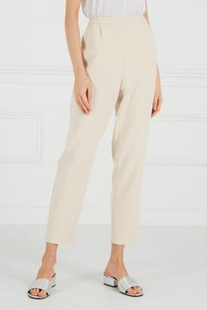 Бежевые брюки на эластичном поясе Cyrille Gassiline BASE. Цвет: бежевый