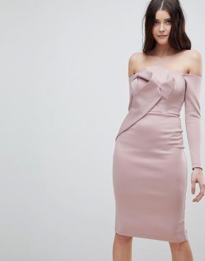ASOS Платье-бандо миди с длинными рукавами и складками. Цвет: розовый