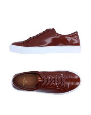 Низкие кеды и кроссовки ROYAL REPUBLIQ. Цвет: коричневый