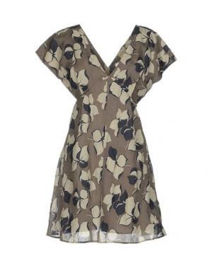 Короткое платье ATTIC AND BARN. Цвет: хаки