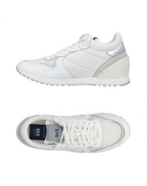 Низкие кеды и кроссовки SAX. Цвет: белый