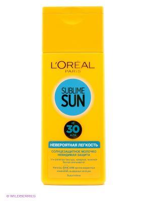 Sublime Sun Молочко для тела Невероятная легкость, солнцезащитное, SPF 30, 200 мл L'Oreal Paris. Цвет: желтый