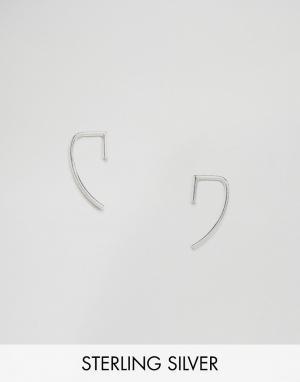 Fashionology Серебряные серьги-планки в форме крючка. Цвет: серебряный