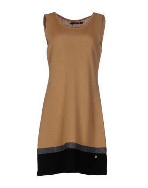 Короткое платье CRISTINAEFFE COLLECTION. Цвет: верблюжий