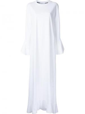 Длинное платье с оборками Goen.J. Цвет: белый