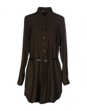 Короткое платье MARANI JEANS. Цвет: зеленый-милитари