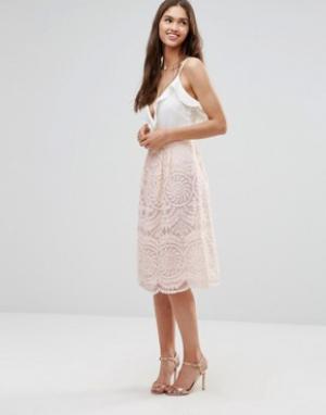 Darling Короткая расклешенная юбка из кружевной ткани. Цвет: бежевый