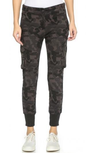 Брюки карго с напуском James Jeans. Цвет: теневой армейский