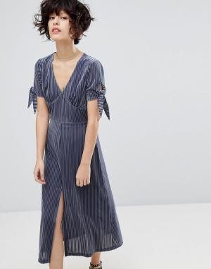 J.O.A Плиссированное бархатное платье с разрезом. Цвет: серый