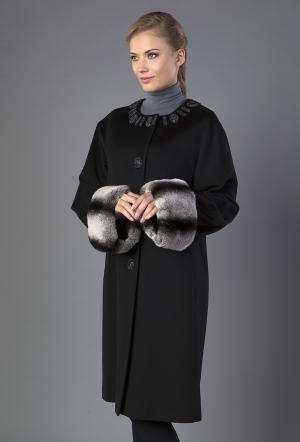Черное женское пальто  с оригинальным декором Heresis. Цвет: черный