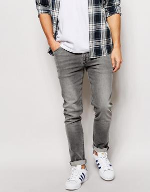 ASOS Зауженные джинсы с легким покрытием. Цвет: серый