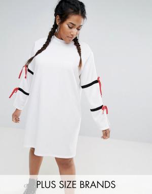 One Three Свободное платье в спортивном стиле с разрезами на рукавах Thr. Цвет: белый