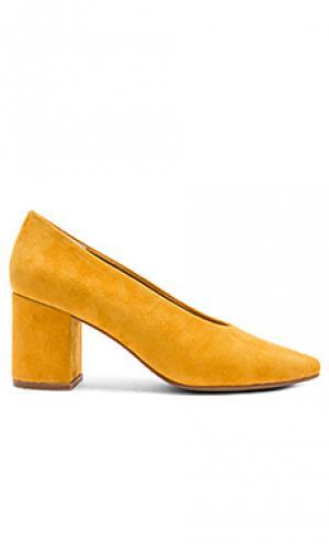 Туфли на каблуке rehearse Seychelles. Цвет: горчичный