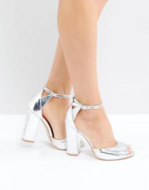 Raid Серебристые босоножки на каблуке с ремешками AJ. Цвет: серебряный