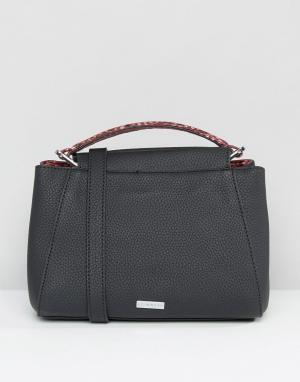 Skinnydip Маленькая сумка-тоут с отделкой из искусственной змеиной кожи Skinnydi. Цвет: черный