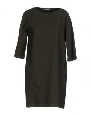 Короткое платье EUROPEAN CULTURE. Цвет: зеленый-милитари