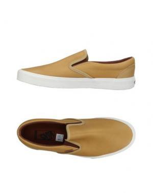 Низкие кеды и кроссовки VANS. Цвет: песочный