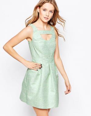 Lashes of London Короткое приталенное платье из жаккарда. Цвет: зеленый