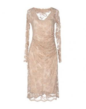 Платье до колена OLVI'S. Цвет: песочный