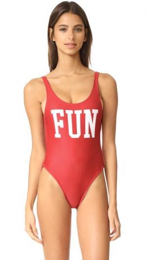 Сплошной купальник Fun CHRLDR. Цвет: красный