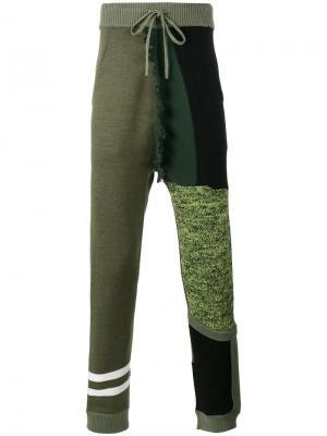 Спортивные брюки в стиле колор блок Liam Hodges. Цвет: зелёный