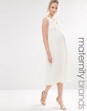 Little Mistress Maternity Короткое приталенное платье из кружева для беременных. Цвет: кремовый