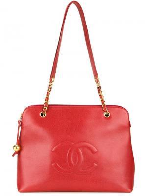 Сумка на плечо с тисненым логотипом Chanel Vintage. Цвет: красный