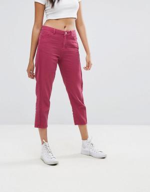 Boohoo Укороченные джинсы. Цвет: розовый