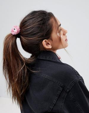 ASOS Резинка для волос ограниченной серии с помпонами в виде глаз. Цвет: розовый