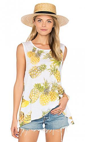Майка с оборкой pineapples Chaser. Цвет: белый