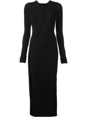 Платье с V-образным вырезом Urban Zen. Цвет: чёрный