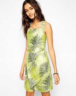 Sika Платье с пальмовым принтом и открытой спиной X ASOS. Цвет: пальмовый узор