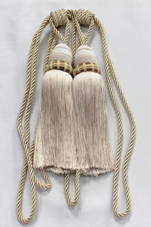 Пара декоративных кистей Ajur. Цвет: коричневый