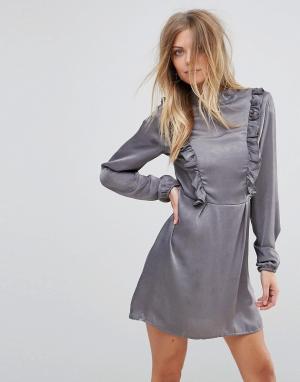 AX Paris Платье с длинными рукавами и оборками. Цвет: серый