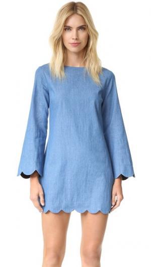 Платье из денима с зубчатой отделкой ENGLISH FACTORY. Цвет: деним