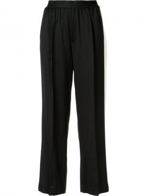 Прямые брюки с полосками по бокам Astraet. Цвет: чёрный