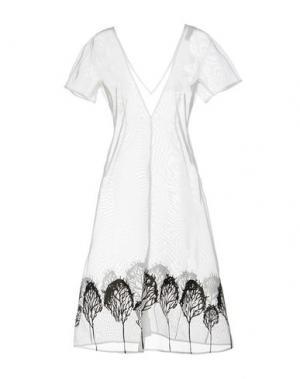Платье до колена VIKA GAZINSKAYA. Цвет: белый