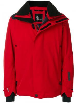 Стеганое пальто Moncler Grenoble. Цвет: красный