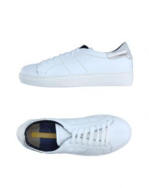 Низкие кеды и кроссовки GIANMARCO LORENZI. Цвет: белый