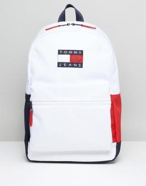 Tommy Jeans Нейлоновый рюкзак. Цвет: белый