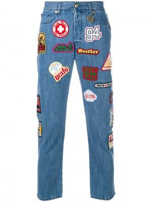 Укороченные джинсы с заплатками Gcds. Цвет: коричневый