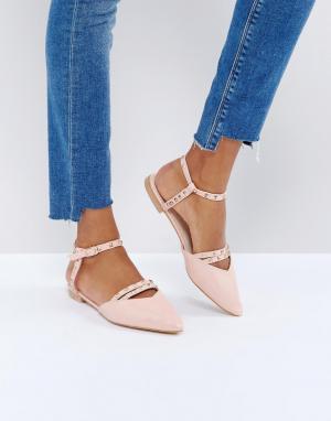 Glamorous Туфли на плоской подошве с острым носком и вырезами. Цвет: розовый