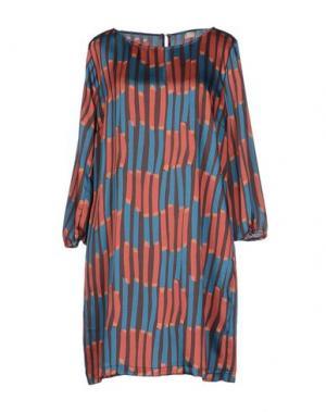 Короткое платье SUOLI. Цвет: кирпично-красный