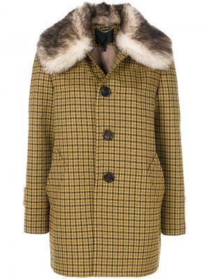 Однобортное пальто с меховой отделкой Marc Jacobs. Цвет: жёлтый и оранжевый