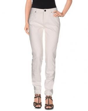 Джинсовые брюки DIANE VON FURSTENBERG. Цвет: белый